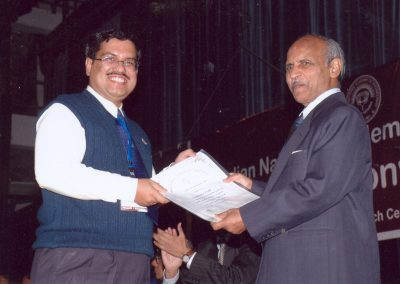 Receiving INAE Young Engineering Award 2007
